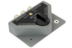 Pasternack  PE7139 ,  SPDT N Manual Knob Switch Surge Protection, DC to 1.3 GHz, Rated to 500 Watts